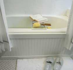 Tile 1 wainscoting bathroom tub.original brian flynn bathtub surround beauty s4x3